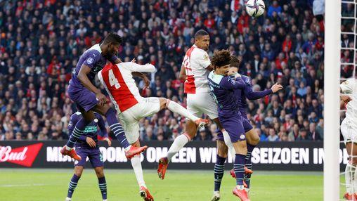 Gebroeders Van de Kerkhof na Ajax - PSV: 'Vind het een schande'