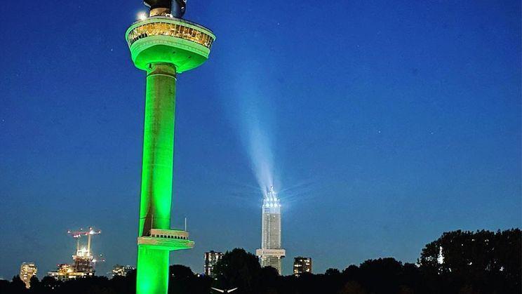 Livestream De Zalmhaven viert bereiken hoogste punt met spectaculaire lichtshow