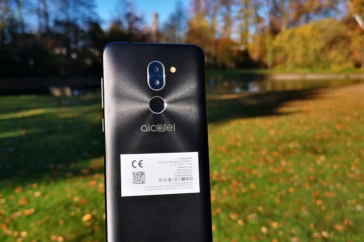 Alcatel 3X review: valt niet op tussen de concurrenten