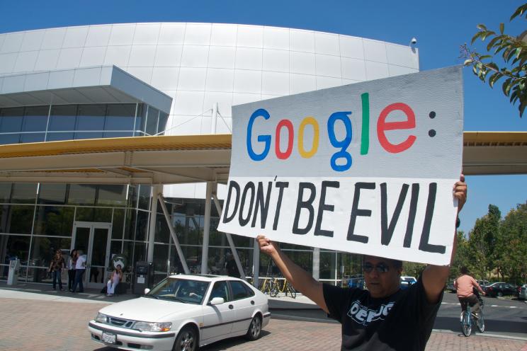 "Opinie: ""Googles 'Don't be evil'-slogan betekent niets meer"""