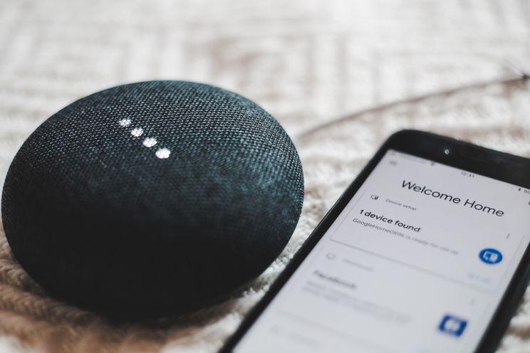 Google Assistent gaat 'Oké Google'-detectie verbeteren met jouw stem