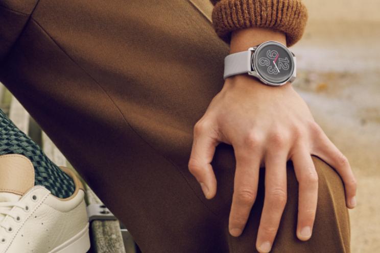 OnePlus Watch officieel: horloge met 2 weken accuduur kost 159 euro