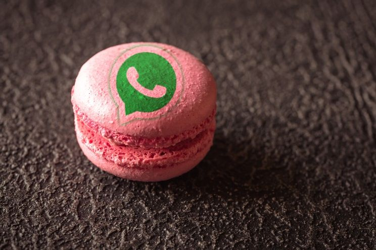 Pas op voor deze roze WhatsApp-kloon: het is een scam