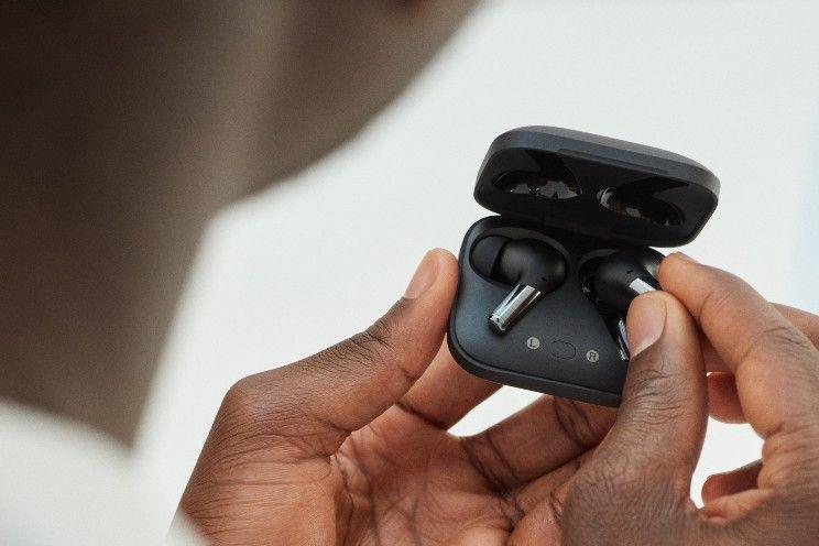 OnePlus Buds Pro officieel: noise-cancelling oordopjes die supersnel opgeladen zijn