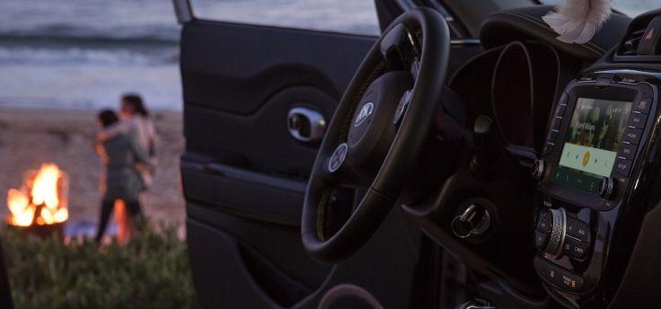 Android Auto wordt zelfstandiger en krijgt Waze-app