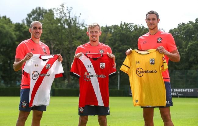 Voetbalclub Southampton speelt dit seizoen met Bitcoin (BTC) op hun shirt