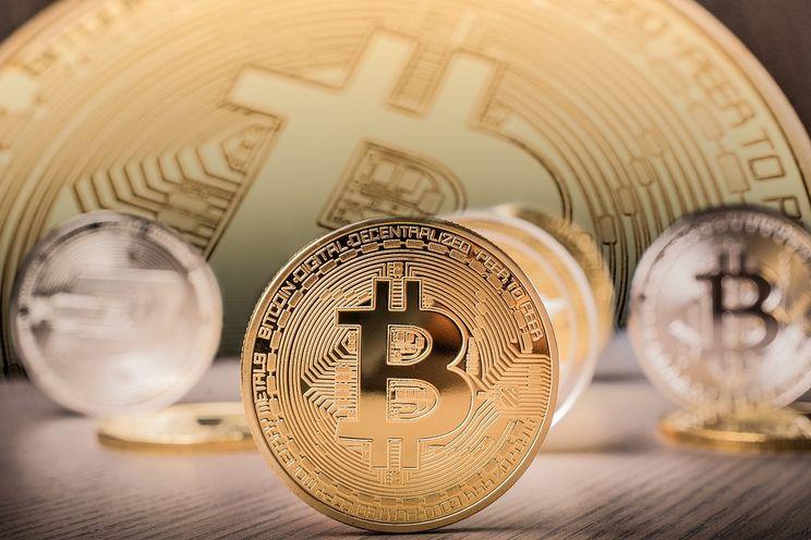 Bitcoin in totaal $1.000 miljard waard: groter dan Facebook en 10% van goud