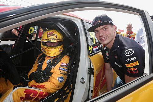 F1 Kijktip | Tom Coronel wordt in de zeik genomen door Bananasplit